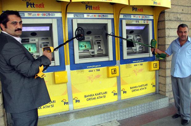 ATM'de kaybolan parayı cinci hocayla aradılar