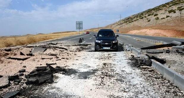 Diyarbakır-Silvan karayolunda bomba patlatıldı