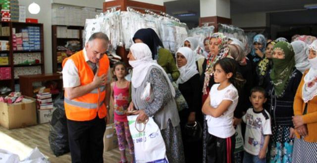 Kimse Yok Mu, Diyarbakırda Kurban Eti Dağıttı