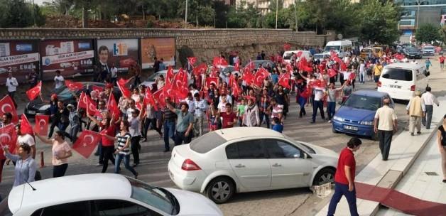 Mardin'de vatandaş ayaklandı! 'Kahrolsun PKK'
