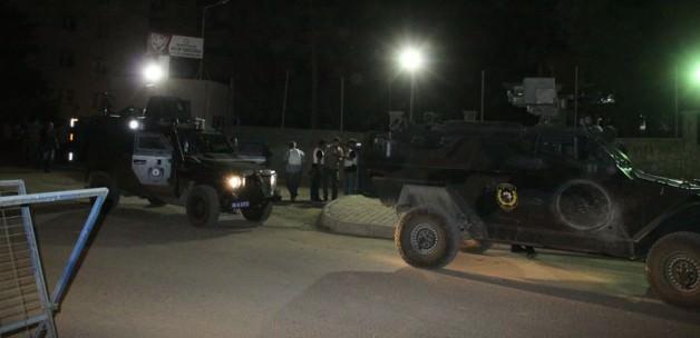 Silvan'da çatışma: PKK'lılar 1 polisi yaraladı