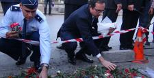 ABD Büyükelçisi, patlama alanına karanfil bıraktı
