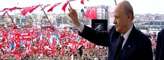 Bahçeli'den Davutoğlu'na: Sen 'serok'luğuna devam et