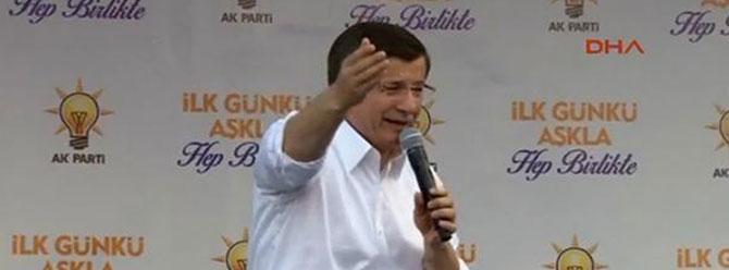 Davutoğlu'nun Van mitinginde ilginç tezahürat