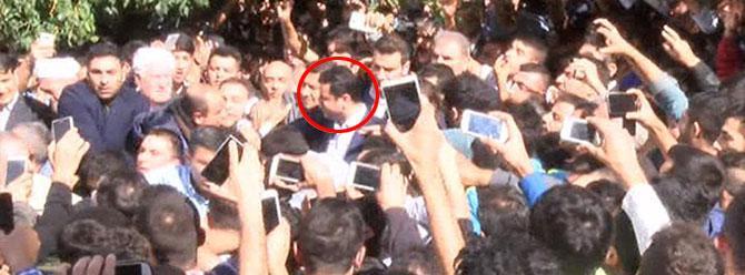 Demirtaş'ı görebilmek için birbirleriyle yarıştılar