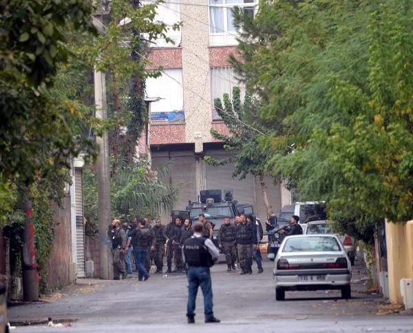 diyarbakir-da-oldurulenlerden-biri-isid-kadi-7819443_1685_m