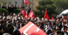 Diyarbakır'da Şehit Olan Polis Kazayla Kendini Vurdu