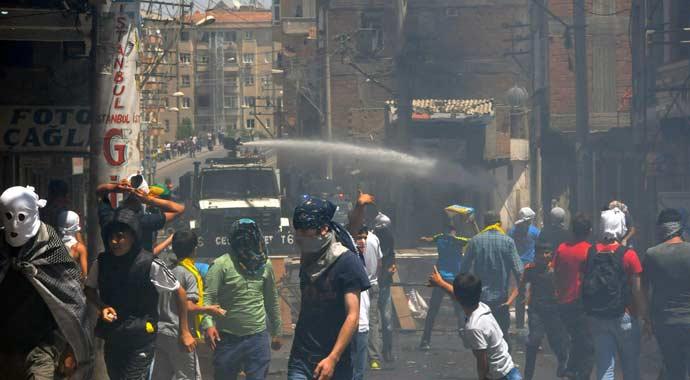 Diyarbakır'ın Bağlar ilçesinde gerilim sürüyor