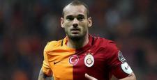 Galatasaray Sneijder'in sözleşmesini uzattı