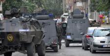Polisin baskın düzenlediği evden ateş açıldı: 1 ölü