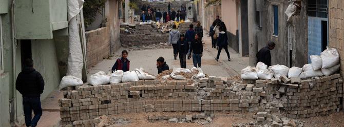 Mardin Derik'teki sokağa çıkma yasağı uzatıldı