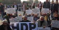 İzmir'de oturma eylemi yapan 15 HDP'liye gözaltı