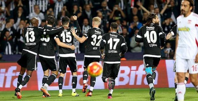 Beşiktaş, Sivasspor'u 2-0 mağlup etti, zirveyi geri aldı