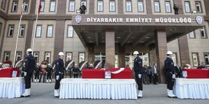 3 şehit polise Diyarbakır'da tören düzenlendi