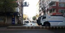 Sur'a Yürümek İsteyen Gruba Polis Müdahalesi