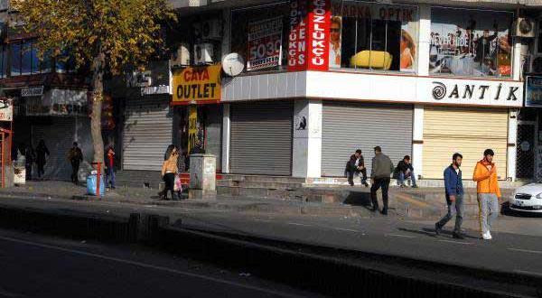 Diyarbakır'da Bugün Kepenkler Açılmadı