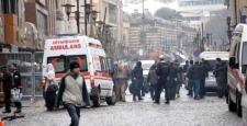 Sur'da yasağın kalktığı gazi caddesinde esnaf iş yerini açamadı