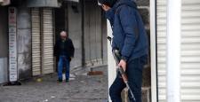 Sur'da çatışma: 2 polis yaralandı