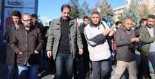 Gazeteciler 'haber yapma özgürlüğü' için Sur'a yürüdü