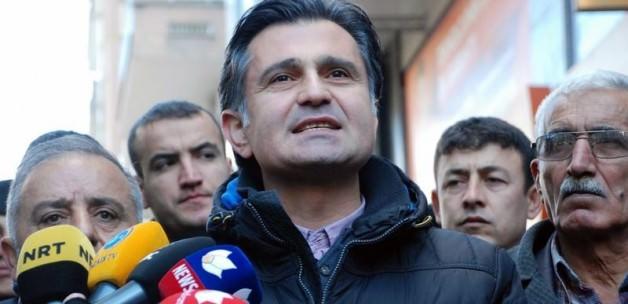 HDP'li vekil Ziya Pir hendekleri savundu