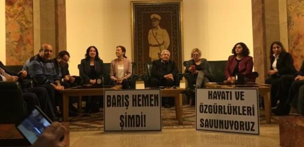 HDP ve CHP'lilerden operasyon protestosu