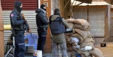 Sur'da çatışma: 5'i polis 4'ü asker 9 yaralı
