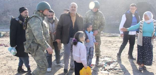 Sur'daki vatandaşlardan operasyona destek