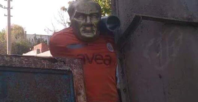 Ydg-H Hendeğe Atatürk Büstü Koydu
