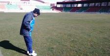 Namık Altunsoy, Atatürk Stadyumu zeminini inceledi