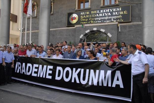 Diyarbakır Belediyesi öz yönetim ilanı