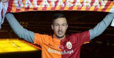 Galatasaray'da Linnes ilk idmanına çıktı