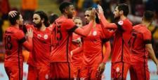 Galatasaray turun kapısını araladı!