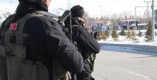Van'da 1 polis şehit oldu, 12 pkk üyesi öldürüldü