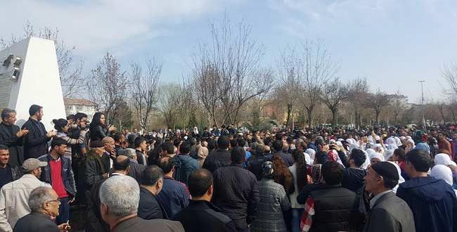 Diyarbakır'da olaylar çıktı, 1 genç başından vurularak öldü