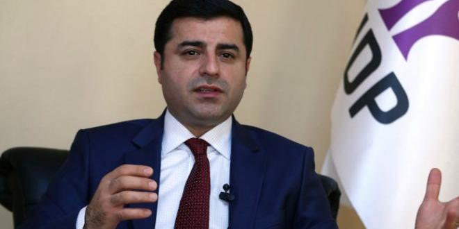 Demirtaş, Davutoğlu'nu IŞİD ve Nusra ile suçladı