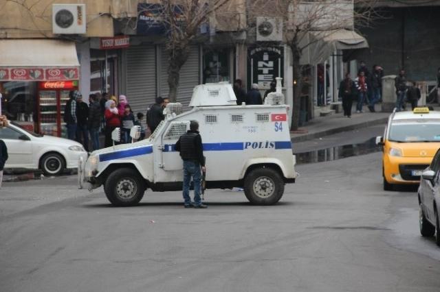 diyarbakir-da-polisin-dikkati-faciayi-onledi-8157889_1782_m
