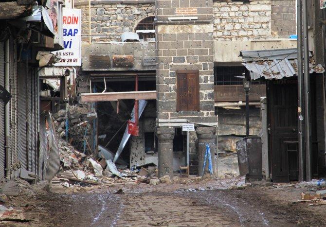 diyarbakir-valiliginin-sur-ilcesindeki-vatandaslarin-catisma-bolgesinden-003