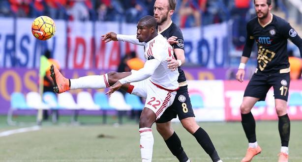 Osmanlıspor, Mersin İdmanyurdu'nu 3-1 ile geçti