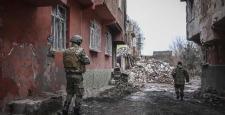 Sur'da çatışma, 3 asker yaralandı