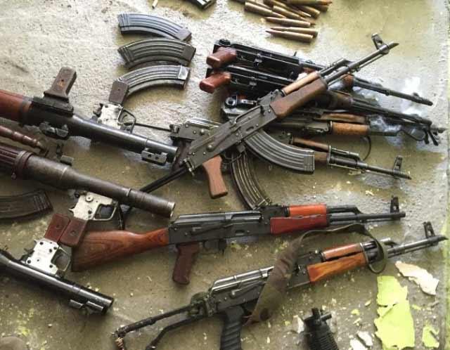 baglar-da-cok-sayida-silah-ve-muhimmat-bulundu-8274242_6793_m