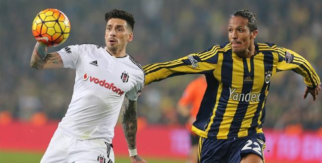 Derbi'de gülen taraf Fenerbahçe oldu.