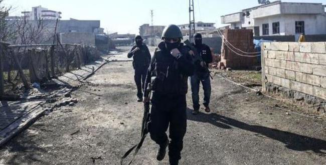 İdil'de sıcak çatışmalar yaşanıyor. 2 Asker yaralandı