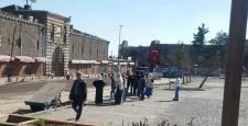 Sur'da yasağın kalktığı mahallelere halk geri döndü