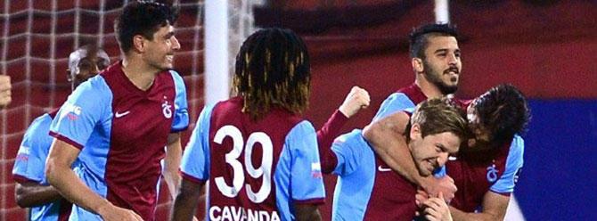 Trabzonspor, Mersin İdman Yurdu'nu 1-0'la geçti