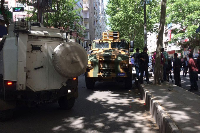 Yasli kadin olay yerinde hayatini aybetti diyarbakir ofis