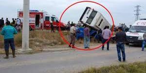 İzmir'de minibüs kaza yaptı