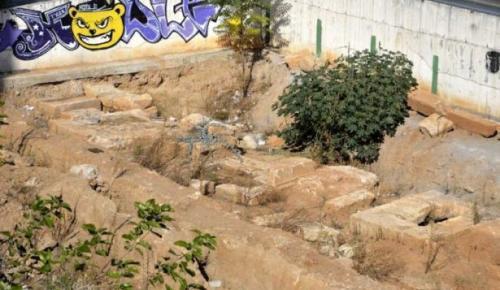 Antalya'da inşaat temelinde 6 antik mezar