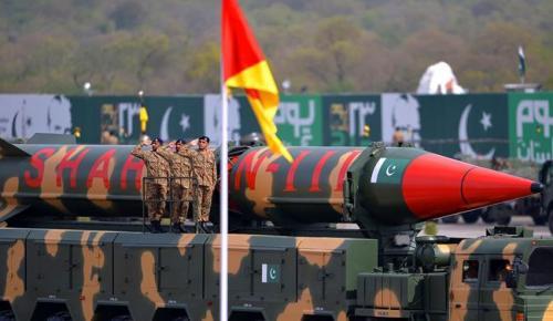 Pak'ın Rusya'ya stratejik kaymasıyla liderlik ettiğini söyleyen RUSI,