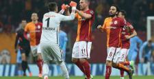 Olaylı maçta Galatasaray, Trabzonspor'u 2-1 mağlup etti